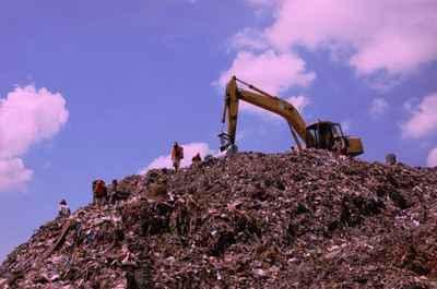Gunung Sampah Bantar Gebang