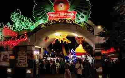 Meriahnya Pasar Senggol Summarecon Mal Bekasi