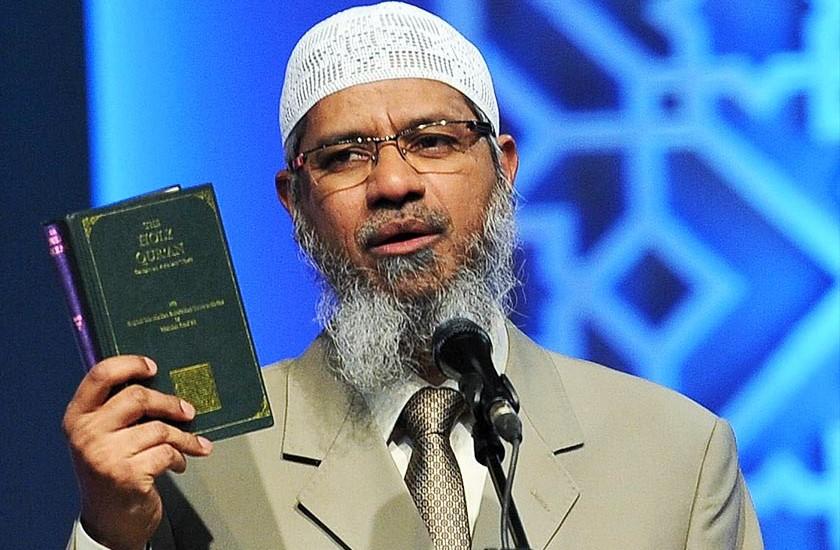 Zakir Ceramah di Stadion Patriot Bekasi